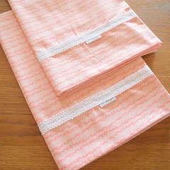 2x Matching Cotton Pillow Cases - Pink vines
