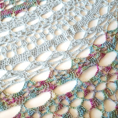 Light and Lacy Luna shawl