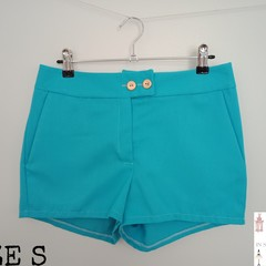 Ladies shorts with pockets