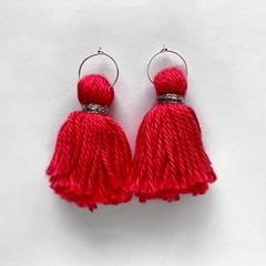Tassel hoops - hot pink
