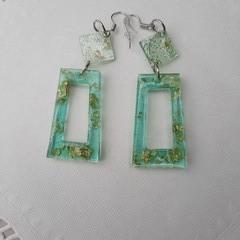 Resin drop dangle earrings
