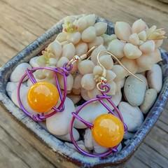 Yellow stone in pink/purple wire - Earrings