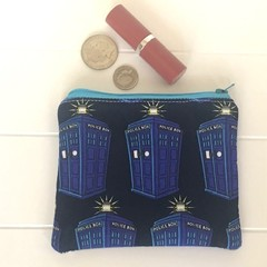 Telephone booth purse