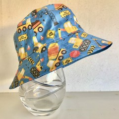 Boys summer hat in blue construction fabric
