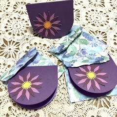 3 Flower gift tags