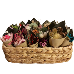 20 Mixed mini dried flowers bouquets in basket - Wedding, baby shower, wrapping