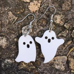 Cute Acrylic Ghost Earrings, Laser Cut Acrylic Earrings, Halloween Earrings