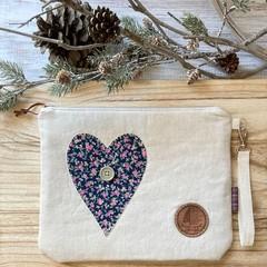 Light heart pouch
