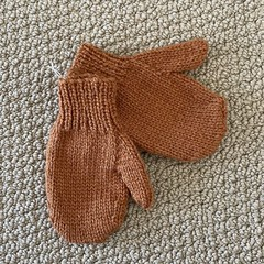 Copper Mittens Size 3-4 years - hand  knittede