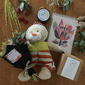 Mum & baby hamper - Gift box - Dried bouquet, tea, candle, greeting card, teddy