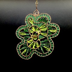 Green free form sun catcher