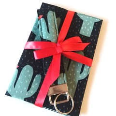 ➕GIFT SET➕ Passport Cover & Key wristlet Set / BLACK -Cactus