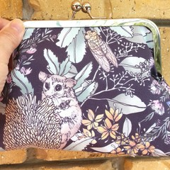 Possom & Banksia clutch