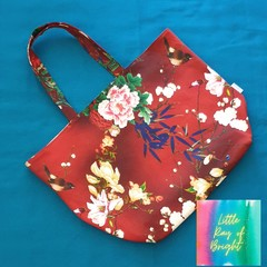 Red Robin and the Carnations Tote Bag