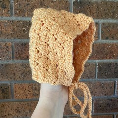 Baby Bonnet/ Booties set - size 6-12 months