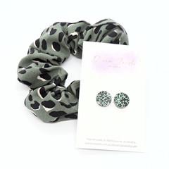 Earring & scrunchie set - khaki green