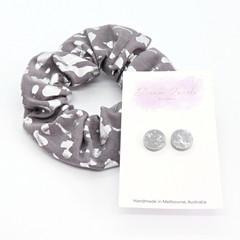 Earring & scrunchie set - silver & grey