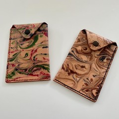 Marbled leather credit card / business card pouch