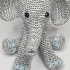 Eli the Elephant - Blue Toes
