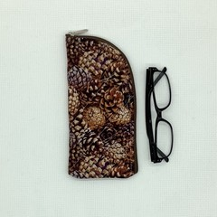 Pinecones Glasses Case