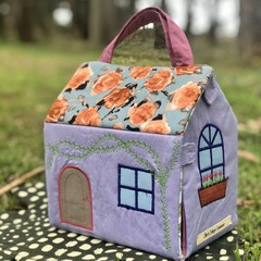Take along Play house / Fabric doll house