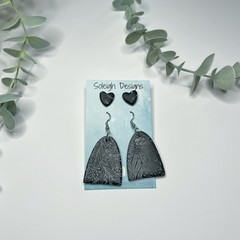 Black Print Earring Set