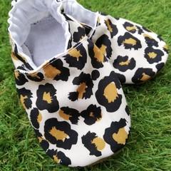 Leopard soft soled shoe