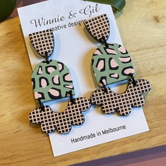 Leopard and Grid Belle