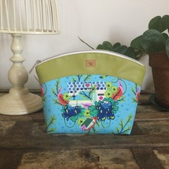 Medium Sewing/Project Bag - Sewing Machine on Blue/Green Faux Leather