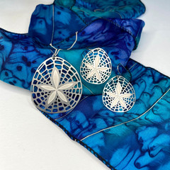 Sand dollar stainless steel pendant necklace and earring set