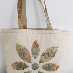 Large hand applique shopping bag