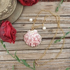 Mermaid inspired seashell necklace
