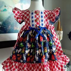 Stunning farm yard   dress size 2
