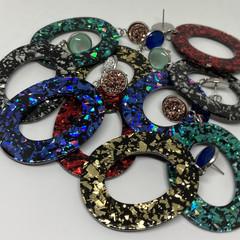Oval glitter earrings
