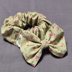 Pale Green Floral Bow With Matching Scrunchie Set