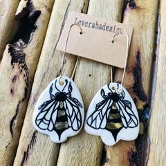 Gold bee 🐝 earrings