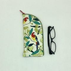 Australian Rosellas glasses case