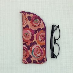 Pink roses fabric glasses case