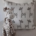 "GIRAFFE CUSHION COVER/ENVELOPE STYLE/50CM X 50CM/20"" X 20"""