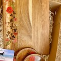 Resin Flowers| Personalised Serving Board | Cheese Board | Giftbox Set