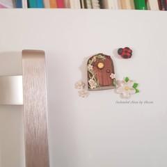 White flower Fairy door fridge magnet set