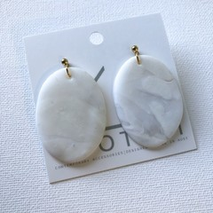 MYSTIFY - Marbled White Translucent Dangles (Oval) with Gold Stud