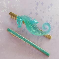 Seahorse hair accessory set