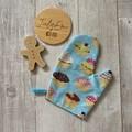 Personalised apron, child's apron & oven mitt set, cupcake print, kitchen play