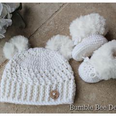 Crochet baby booties & hat, White fur booties, , Teddy bear hat, fur shoes,