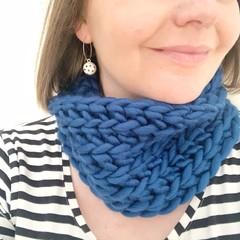 Crochet Cowl in Blue