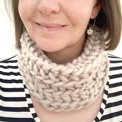 Crochet Cowl in Ecru