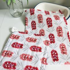 Tea Towel and Pot Holder Gift Set/ Bottle Brush/ Australian/ Native Flowers