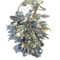 Flower power pendant style necklace with some serious bling in silver and pearls