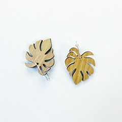 Monstera bamboo earrings with hoops